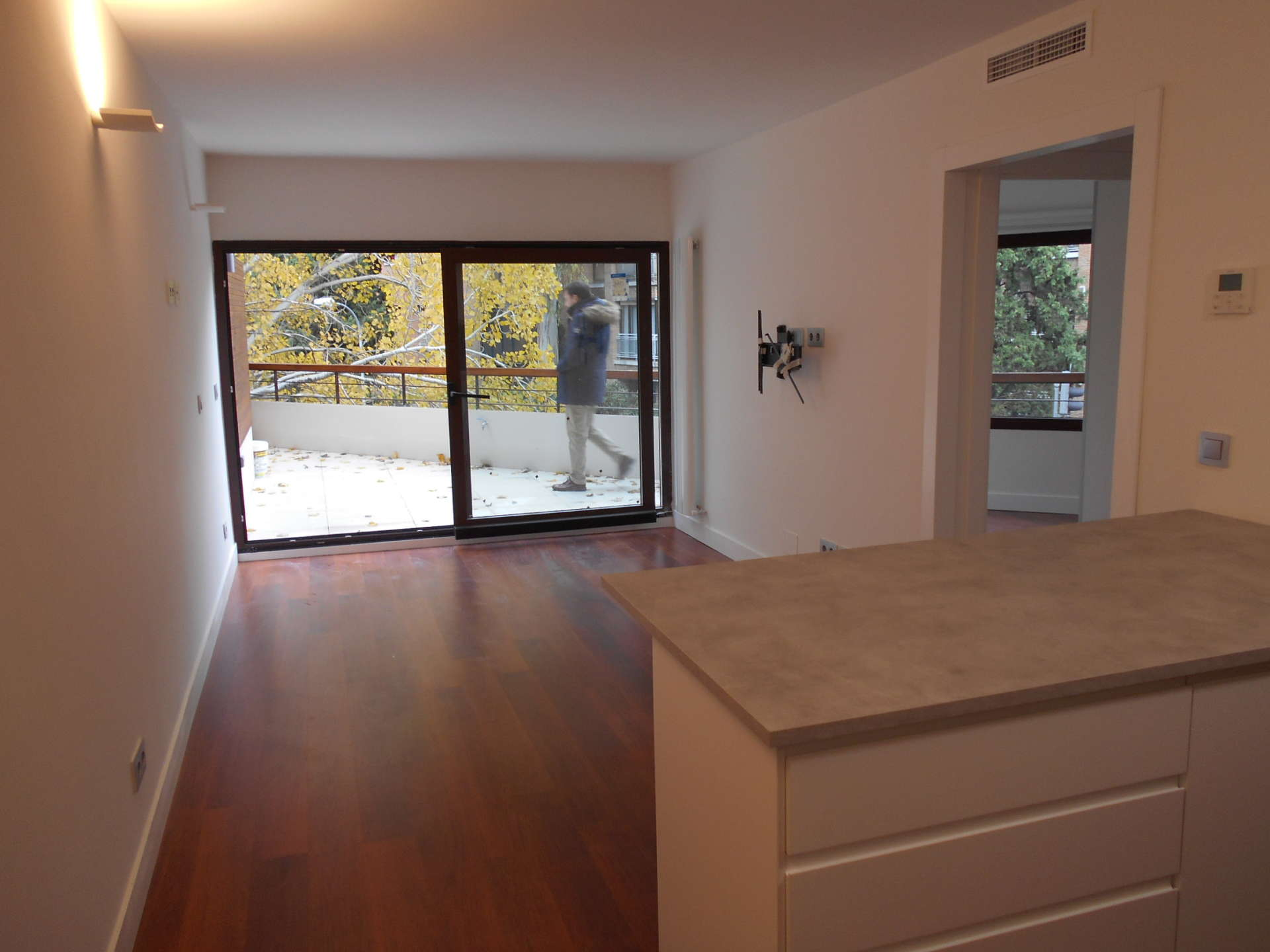 piso de dos habitaciones y dos terrazas con piscina