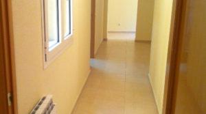 piso dos habitaciones interior con ascensor.